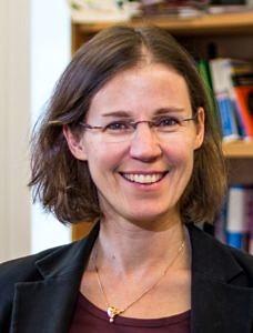 Portrait Prof. Stefanie Dehnen